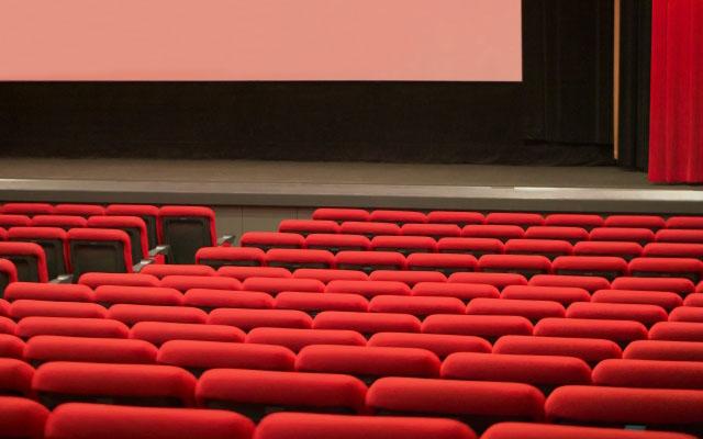 映画館の客席